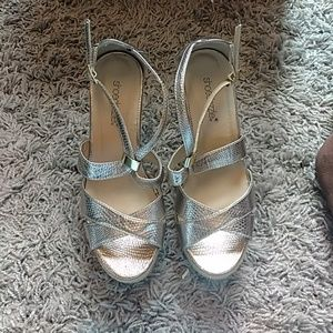 Shoedazzle gold/pewter colored wedges